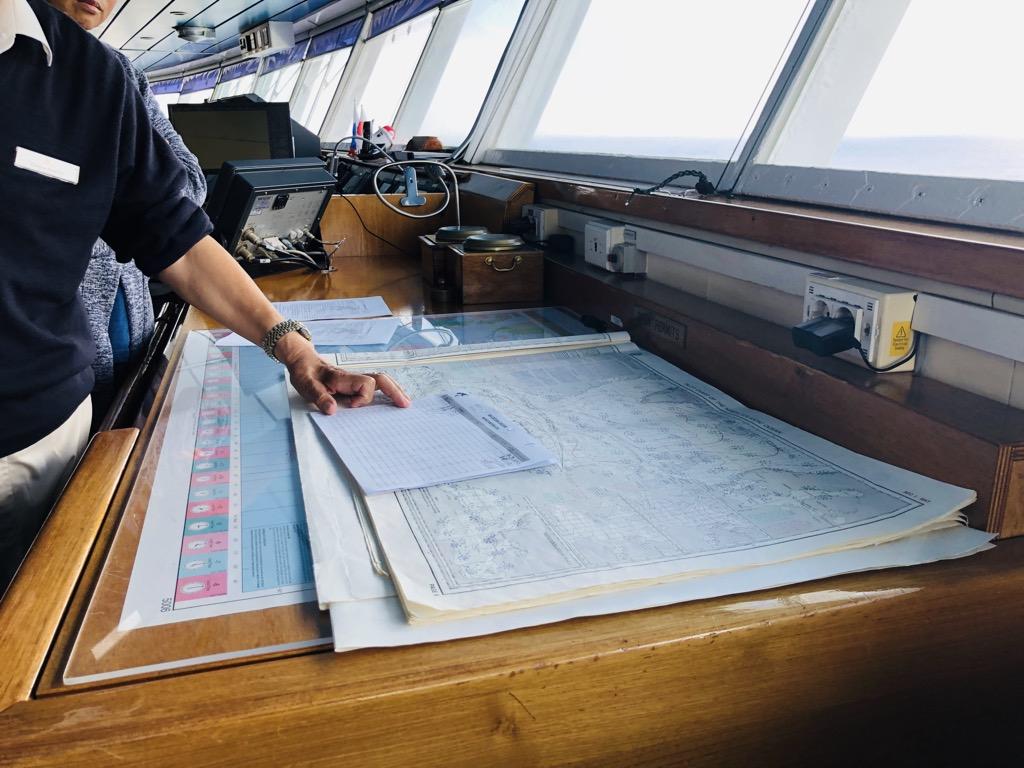 クルーズ客船の操舵室(ブリッジツアー)に行ったら見たこともない光景が!
