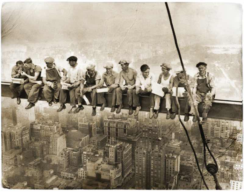 摩天楼ビル建設作業員